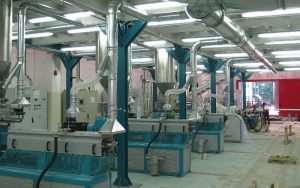 Aspiration hood for polymer extrusion