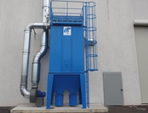 Dust extraction and filtration system from rubber tube cutting