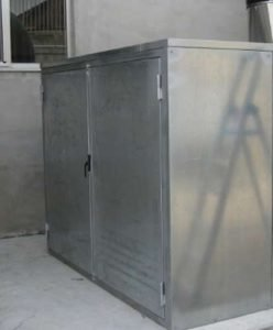 Soundproof cabin for the containment of fan noise