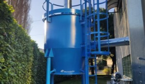 Activated carbon filter for fumes from casting operations